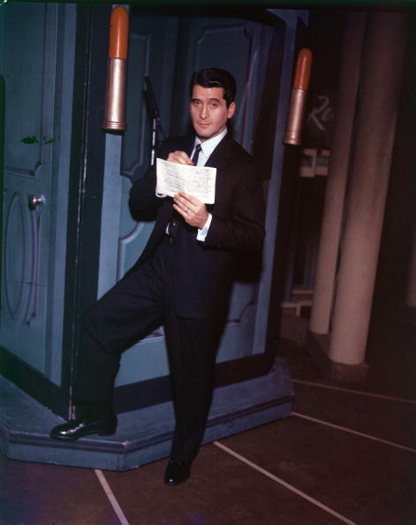Asking「Quiz Show Emcee Hal March In Studio, c. 1956.」:写真・画像(3)[壁紙.com]