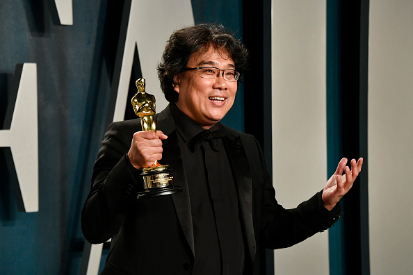 Bong Joon-ho「2020 Vanity Fair Oscar Party Hosted By Radhika Jones - Arrivals」:写真・画像(13)[壁紙.com]