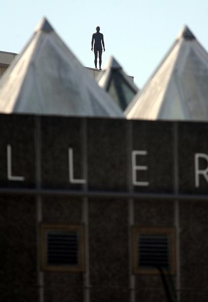 Horizon「Antony Gormley Brings Event Horizon To London」:写真・画像(11)[壁紙.com]