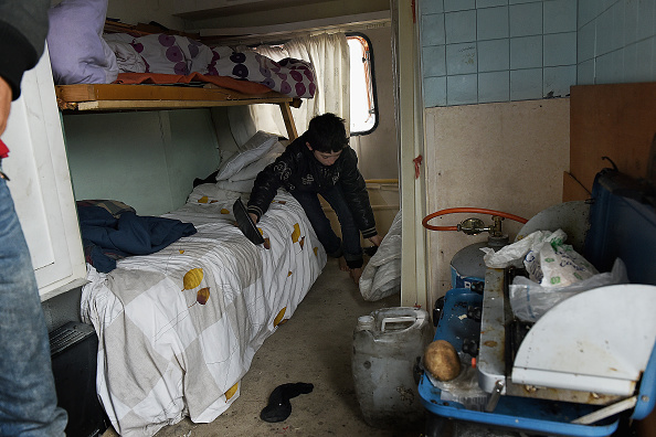Calais「Migrant Children Wait For Possible Decision On Their Future In The UK」:写真・画像(2)[壁紙.com]