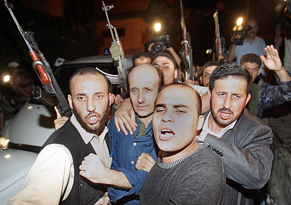 Gaza Strip「BBC Hostage Alan Johnson Released After 114 Days」:写真・画像(12)[壁紙.com]