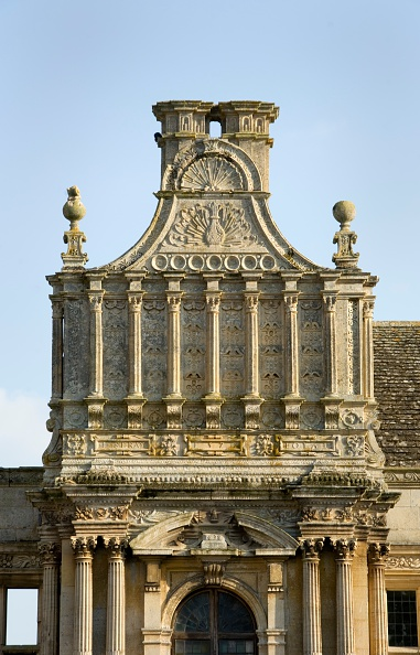 Stuart - Florida「Detail of the porch of Kirby Hall, near Corby, Northamptonshire, 2007」:写真・画像(13)[壁紙.com]