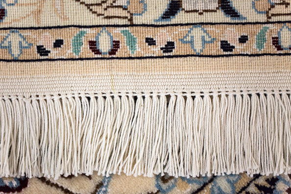 Finance and Economy「Oriental Rug Specialist Displays Hand Knotted Carpets」:写真・画像(16)[壁紙.com]