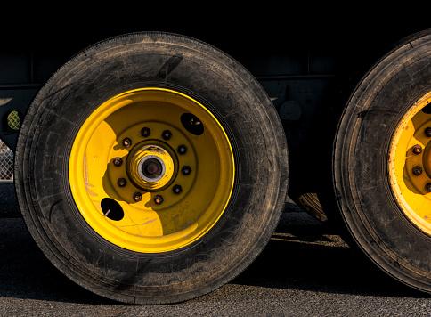 Two Objects「Detail of Truck tires」:スマホ壁紙(12)