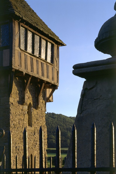 2000s Style「Detail of the north tower of Stokesay Castle, Shropshire, 2005」:写真・画像(15)[壁紙.com]