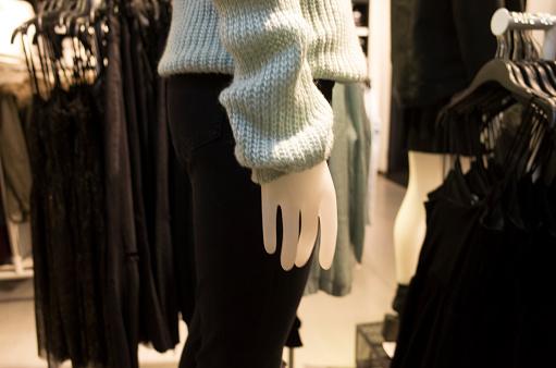 ファッションモデル「服屋のマネキン。」:スマホ壁紙(9)