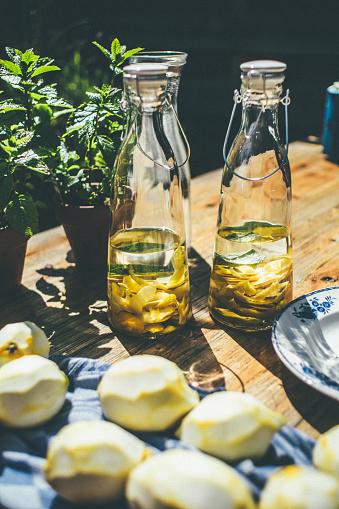 焦点「Making limoncello」:スマホ壁紙(17)