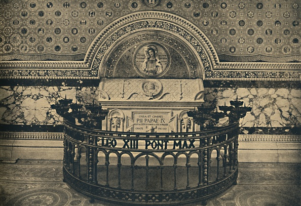 Wrought Iron「Roma - Basilica Of St Lawrence - Tomb Of Pius Ix 1910」:写真・画像(1)[壁紙.com]