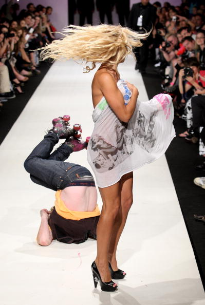 Roller Skating「ANZFW 2009 - A Muse By Richie Rich Catwalk」:写真・画像(13)[壁紙.com]