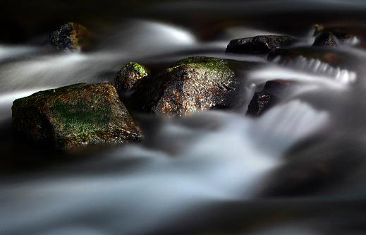 Maroon Bells「Running water in a stream」:スマホ壁紙(16)