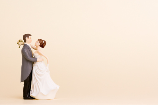 Heterosexual Couple「Wedding figurines」:スマホ壁紙(0)