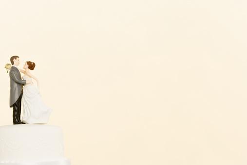 結婚「ウェディングケーキの人形のトップ」:スマホ壁紙(7)