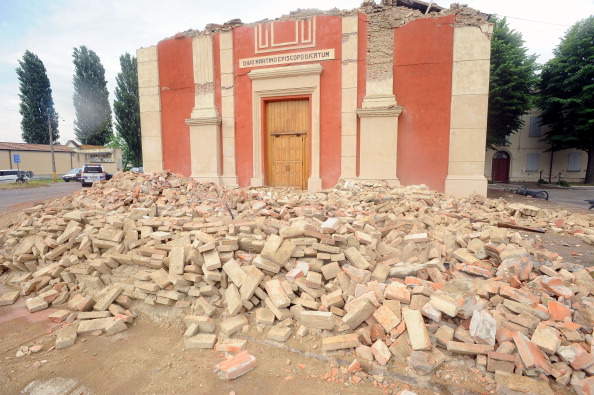 Brick「Earthquake Hits Northern Italy」:写真・画像(12)[壁紙.com]
