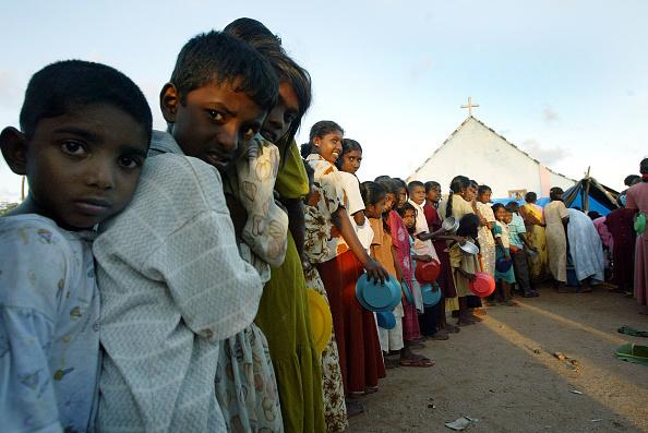 Solitude「Tsunami Relief Effort Continues In Sri Lankan Refugee Camps」:写真・画像(18)[壁紙.com]