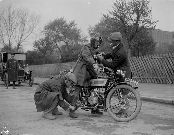 オートバイ競技「Willing Helpers」:写真・画像(13)[壁紙.com]