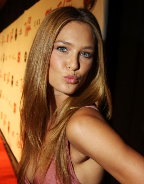 Pencil Dress「Sports Illustrated Swimsuit Party At LAX In Las Vegas」:写真・画像(19)[壁紙.com]