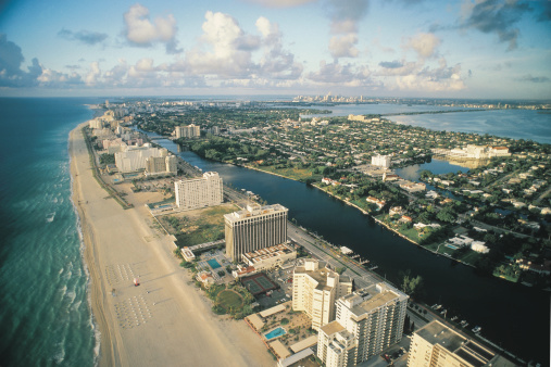 Miami Beach「Coastline」:スマホ壁紙(1)