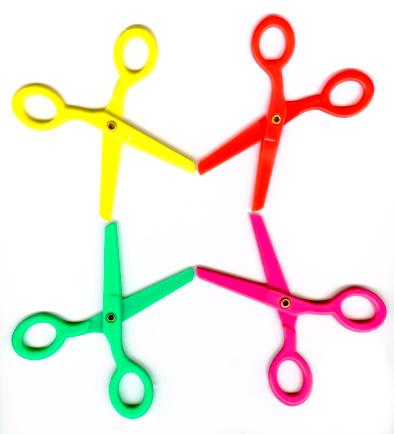 Scissors「Colorful plastic toy scissors」:スマホ壁紙(18)