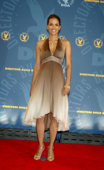 Human Neck「57th Annual DGA Awards Dinner - Press Room」:写真・画像(2)[壁紙.com]