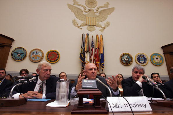 Economy「House Armed Services Cmte Holds Hearing On Possible China-Unocal Merger」:写真・画像(10)[壁紙.com]
