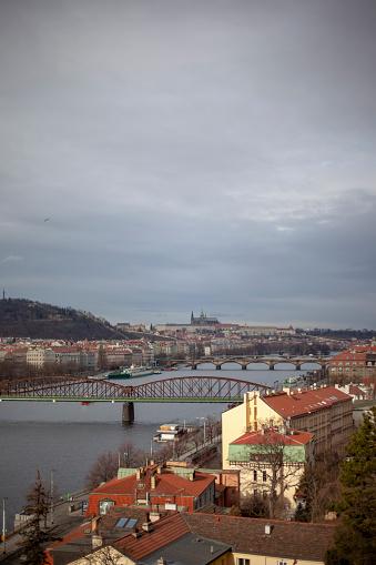 フラッチャニ「Prague landscape with Vlatva River and Prague Castle」:スマホ壁紙(10)