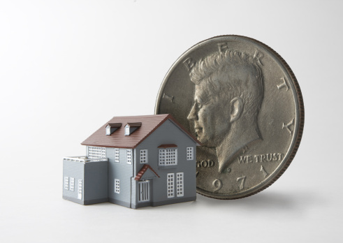 Economic fortune「Miniature house and coin」:スマホ壁紙(15)