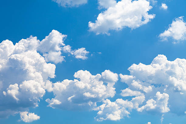 Clouds on sky:スマホ壁紙(壁紙.com)