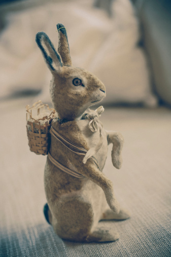 Easter Bunny「Old-fashioned Easter bunny」:スマホ壁紙(3)