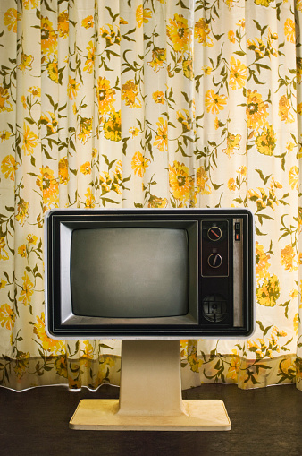 Funky「Old-fashioned television near floral curtain」:スマホ壁紙(5)