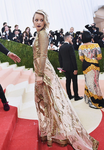 "Alternative Pose「""Manus x Machina: Fashion In An Age Of Technology"" Costume Institute Gala」:写真・画像(0)[壁紙.com]"