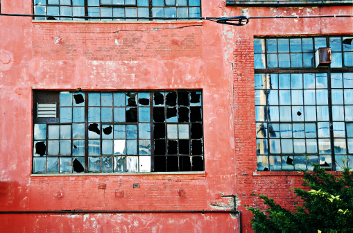 Housing Project「Abandoned industrial red brick building with broken windows」:スマホ壁紙(15)