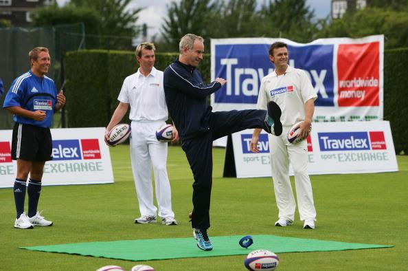 Adam Gilchrist「Travelex Sport Exchange Launch」:写真・画像(6)[壁紙.com]