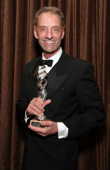 Victor Blackman「8th Annual Costume Designers Guild Awards - Press Room」:写真・画像(9)[壁紙.com]