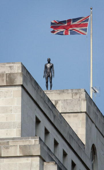 Horizon「Antony Gormley Brings 'Event Horizon' To London」:写真・画像(14)[壁紙.com]
