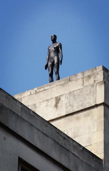 Horizon「Antony Gormley Brings 'Event Horizon' To London」:写真・画像(10)[壁紙.com]