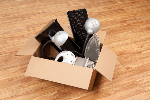 Second Hand Sale「Household Equipment or Appliances in a Cardboard Box」:スマホ壁紙(9)