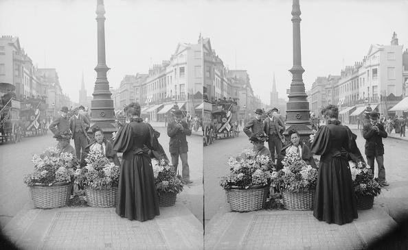 Three Dimensional「London Flower Girls」:写真・画像(1)[壁紙.com]