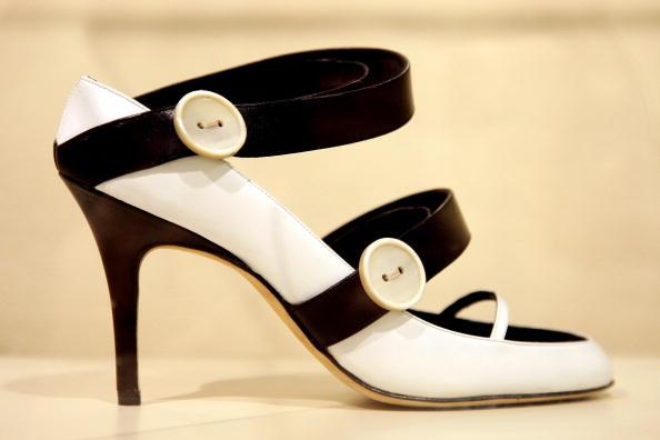 Manolo Blahnik - Designer Label「Manolo Blahnik Visits The International Footwear Museum Of Vigevano」:写真・画像(16)[壁紙.com]