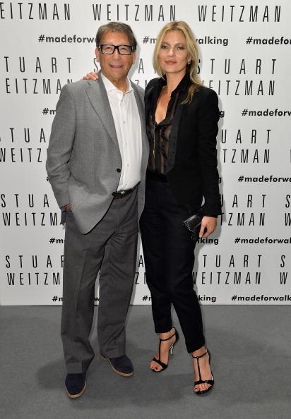 Hands In Pockets「Kate Moss Celebrates Stuart Weitzman Flagship Store Opening Designed By Zaha Hadid 」:写真・画像(7)[壁紙.com]