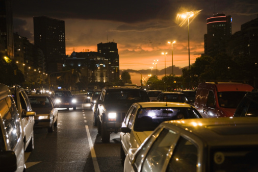 Buenos Aires「Traffic at sunset, Recoleta, Buenos Aires, Argentina」:スマホ壁紙(2)