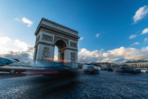 Arc de Triomphe - Paris「Traffic at Arc de Triomphe Paris」:スマホ壁紙(16)