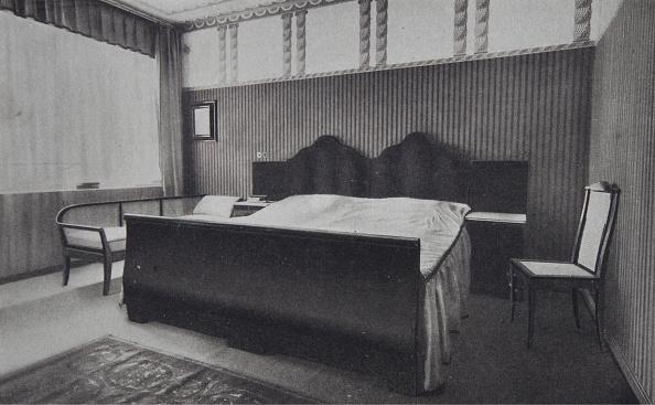 Bedroom「Bedroom. Design By Albin Müller. Execution By Joseph Trier / Hofmöbelfabrik Darmstadt.」:写真・画像(7)[壁紙.com]