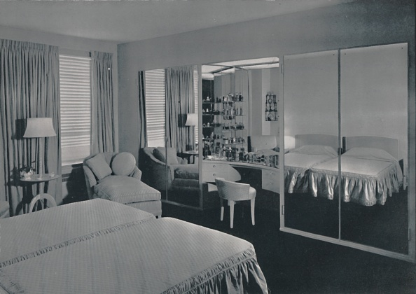 Bedroom「Bedroom Designed By James F Eppenstein」:写真・画像(2)[壁紙.com]