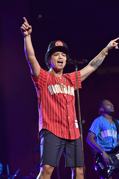 Performance「Bruno Mars: 24K Magic World Tour - Madison Square Garden」:写真・画像(11)[壁紙.com]