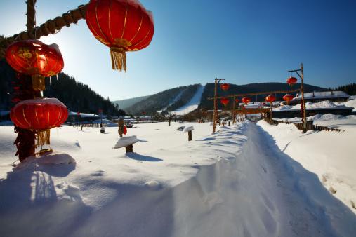 Chinese Lantern「Snow Village in Mudanjiang,Heilongjiang,China」:スマホ壁紙(1)