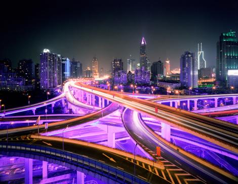 Elevated Road「China, Shanghai, road intersection at night」:スマホ壁紙(11)