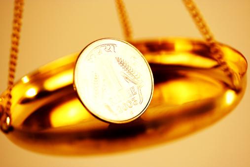 硬貨「Close up shot of a one rupee coin」:スマホ壁紙(7)