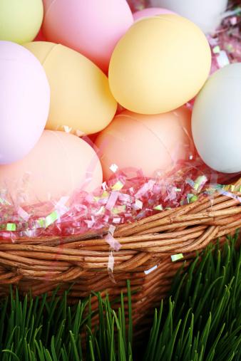 Easter Basket「close up shot of plastic easter eggs in a basket」:スマホ壁紙(5)