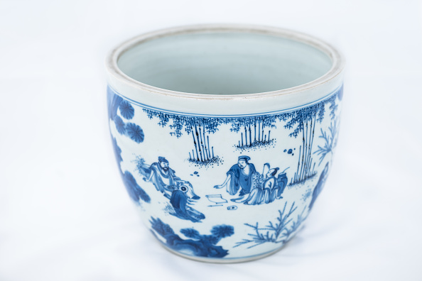 Rock - Object「Deep Blue And White Fish Bowl Of Sages In Bamboo Grove 1630-1650」:写真・画像(4)[壁紙.com]