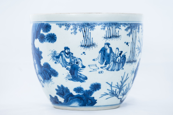 White Background「Deep Blue And White Fish Bowl Of Sages In Bamboo Grove 1630-1650」:写真・画像(9)[壁紙.com]